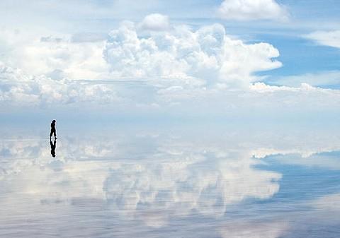 Между небом и землей — соляное озеро