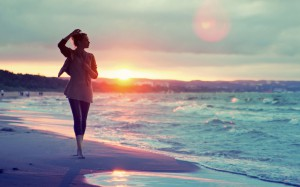 girl-walking-on-the-beach-at-sunset-1920x1200-wide-wallpapers.net